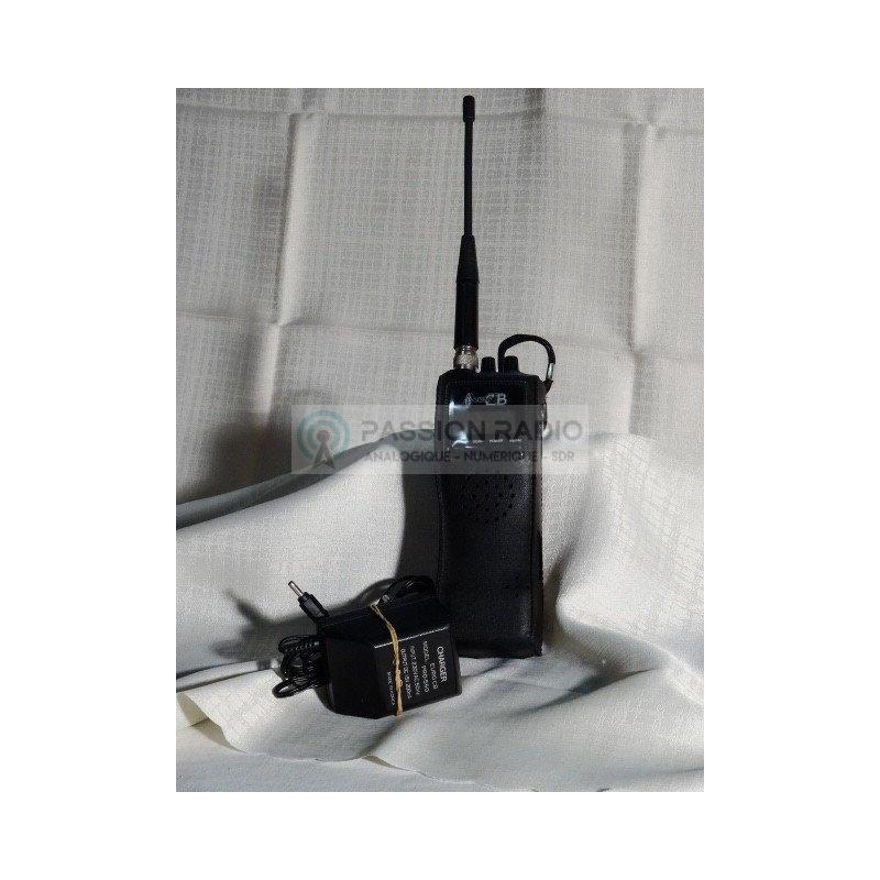cb portable pro550 am fm 4w. Black Bedroom Furniture Sets. Home Design Ideas